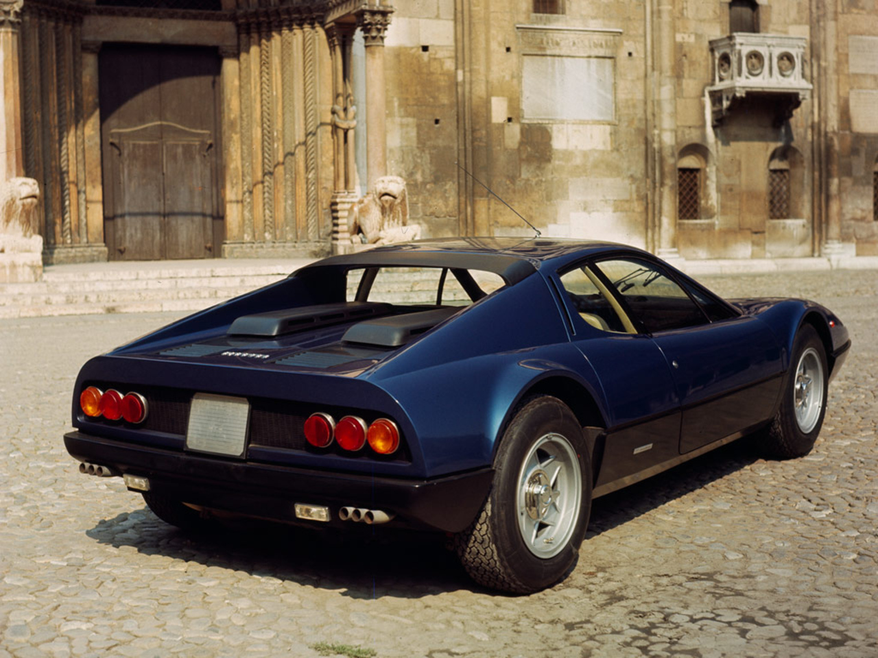 365 GT4 BB: Modena