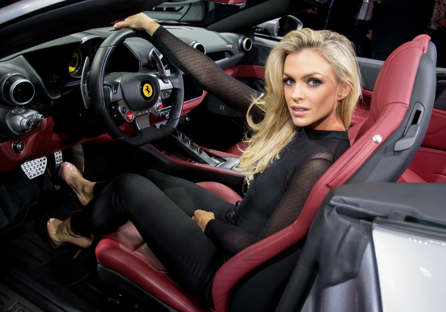 ferrari portofino otomobi. Black Bedroom Furniture Sets. Home Design Ideas